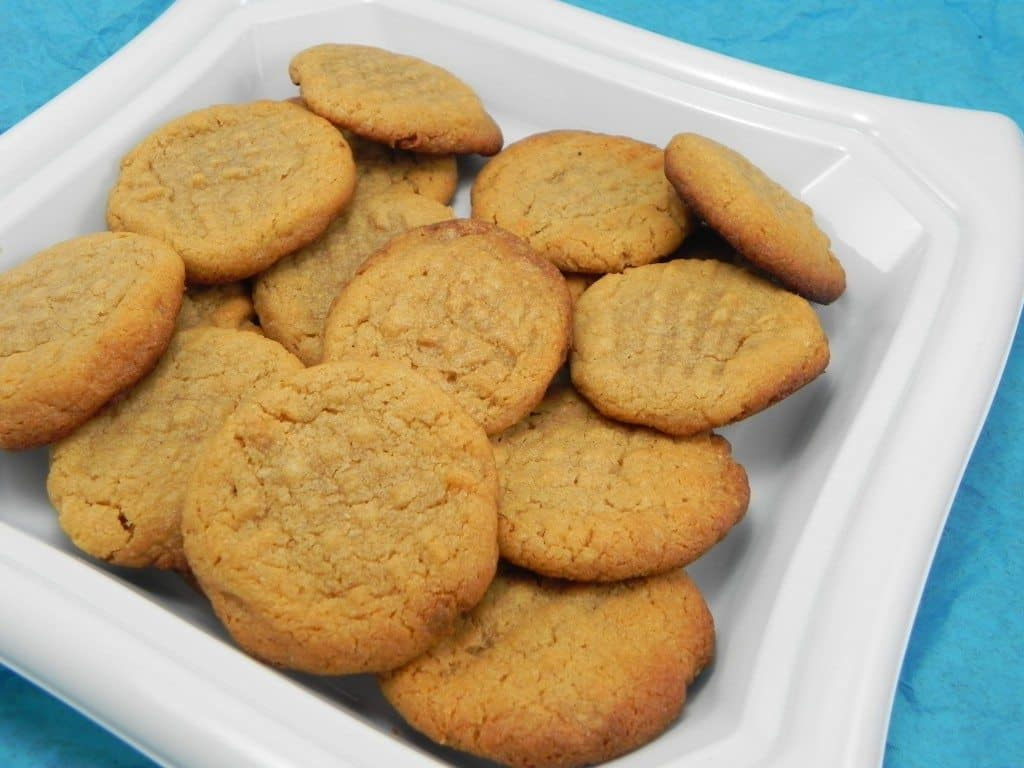 3-ingredient-peanut-butter-cookies