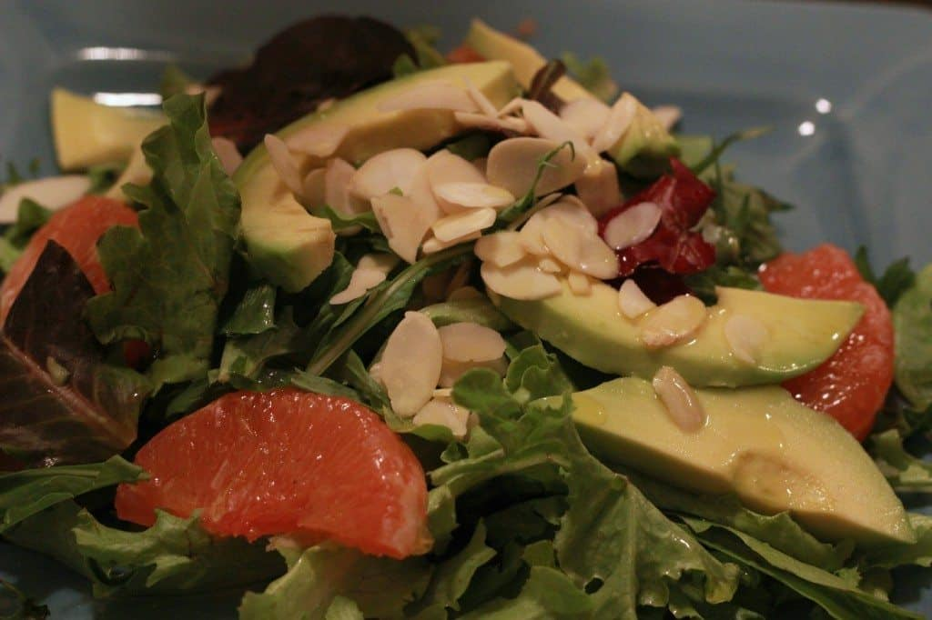 grapefruitavocadoandalmondsalad