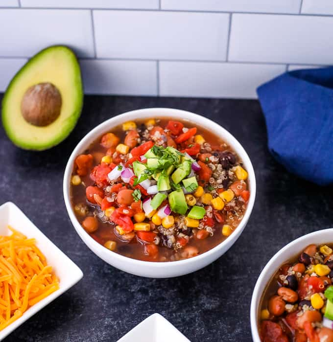 slow cooker quinoa chili