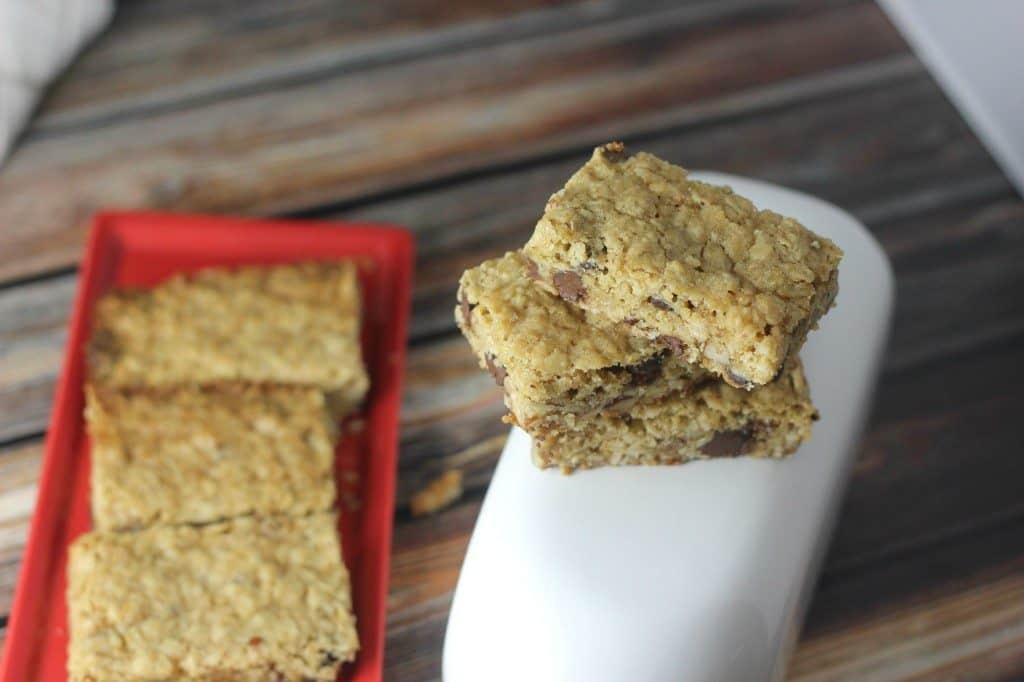 Easy chocolate chip pecan bars