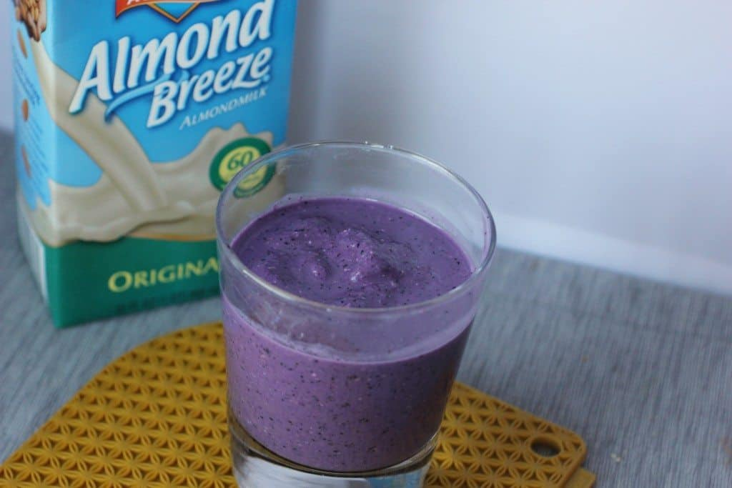 almond breeze blueberry smoothie