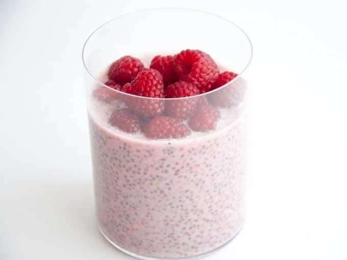vegan-raspberry-chia-pudding-4