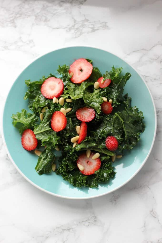 kale salad with berries