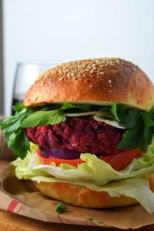 Yummy-Smashed-Beet-Bean-Burger