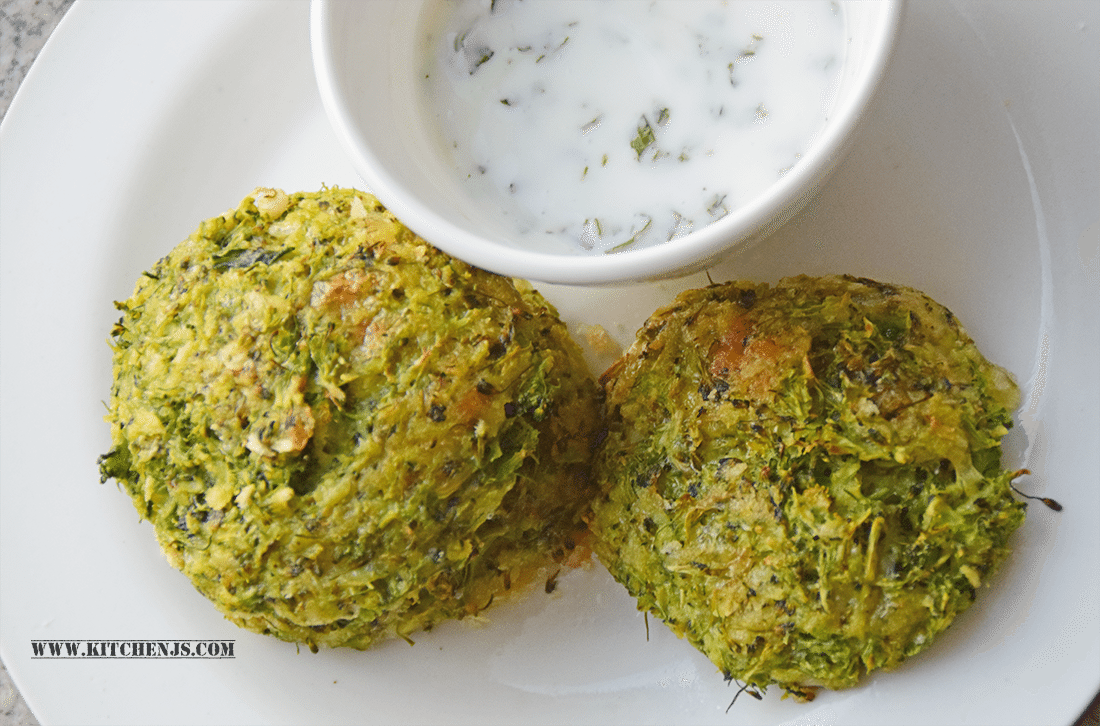 broccoli-fritters-with-minty-yogurt-dip