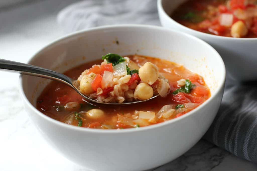 chickpea and farro soup