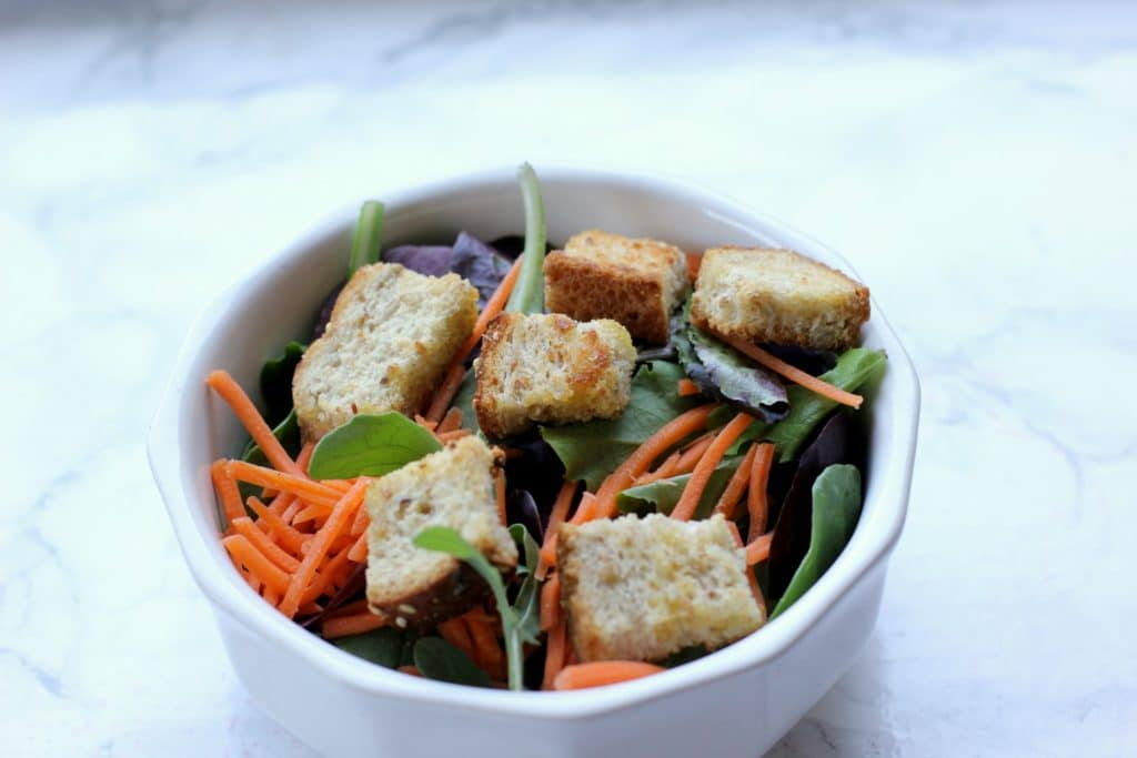simple salad with croutons