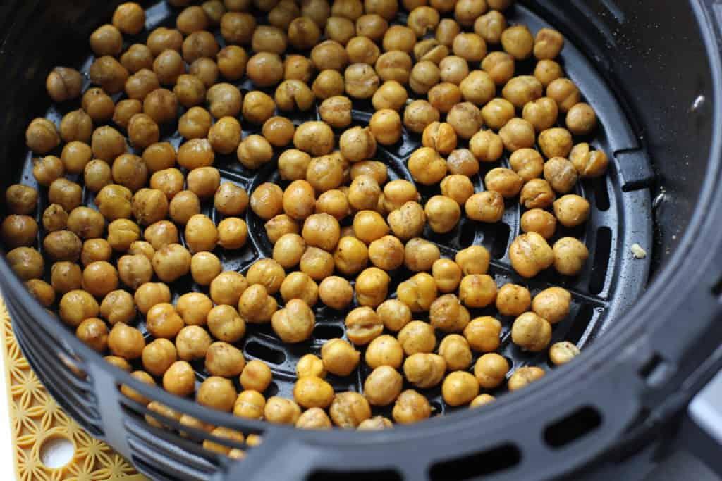 air fryer chickpeas in a basket