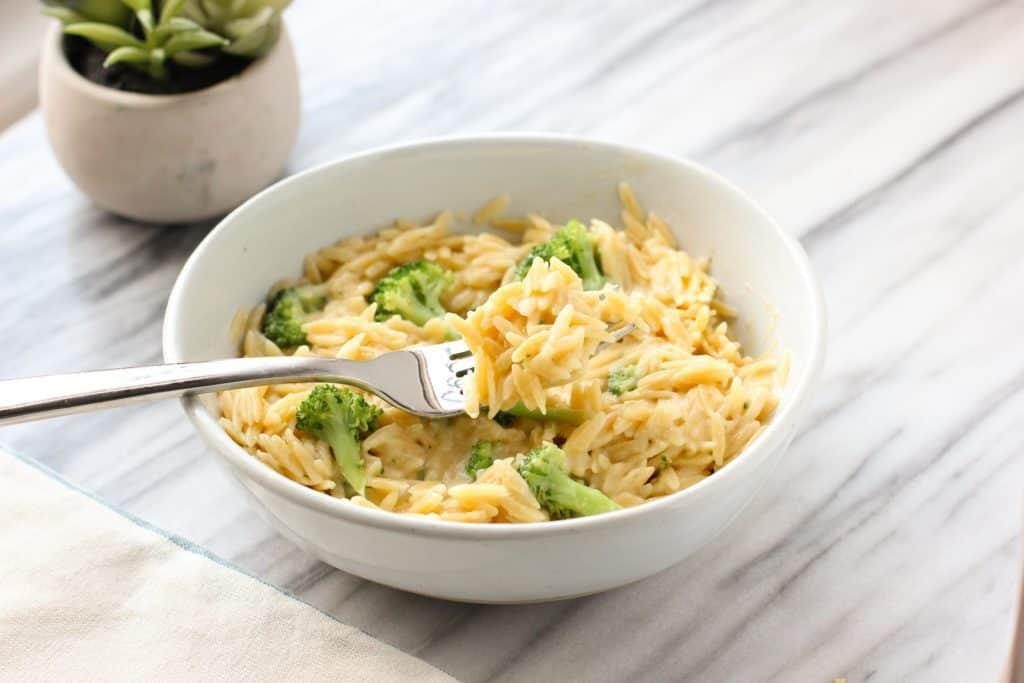 banza rice with cheesy broccoli