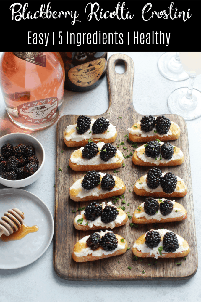 This blackberry and ricotta crostini is a simple and delicious appetizer. It only takes a few minutes to make and it and pairs effortlessly with your favorite drink! Try this recipe for a summer party or barbecue!