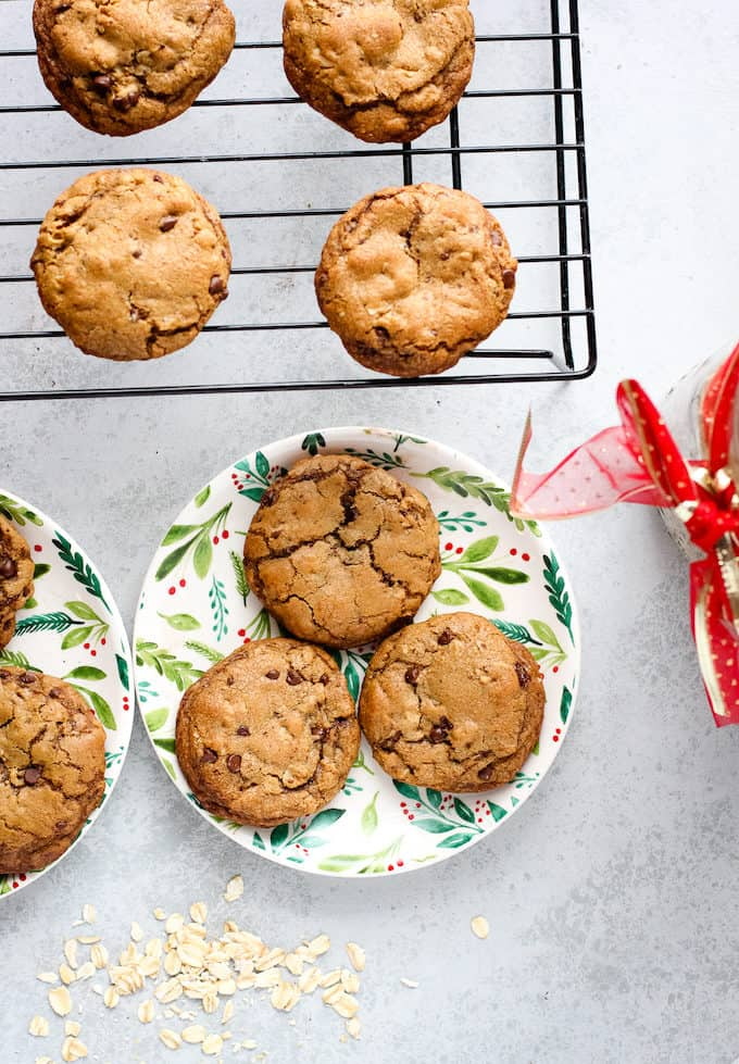 cookies on a rack and a plate