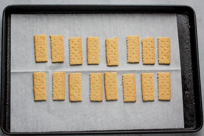graham cracker pieces