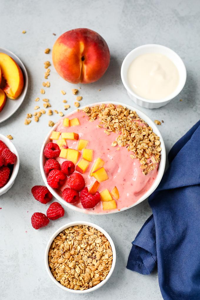 peach raspberry smoothie bowl